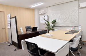 札幌会社設立&許認可取得センター内部写真